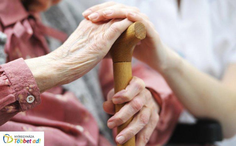 Mennyit is ér egy segítő kéz? - Mit nyújt a személyi gondozás?