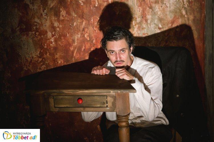 Őrületparódia Keresztes Tamás módra a Móricz Zsigmond Színházban