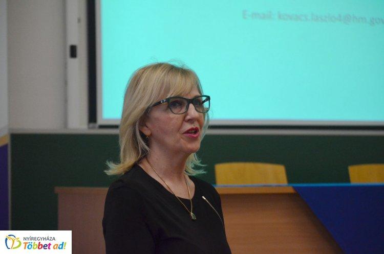 Kiberműveletek, kiberbiztonság – A Magyar Honvédség dandártábornoka tartott előadást