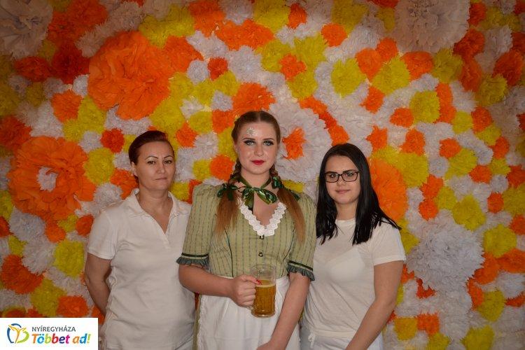 Bazil Kupa – Hét kategóriában mérték össze tudásukat a fodrász és kozmetikus tanulók