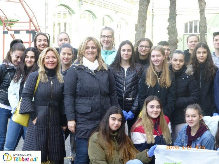 TeSzedd! akció a Kölcseyben – Az iskola diákjai számára fontos a környezetvédelem!