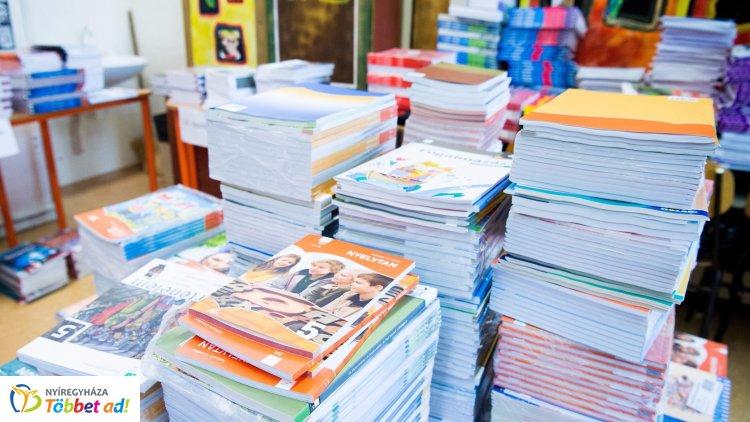Friss! – Minden diák ingyen kapja a tankönyveket a 2020-21-es tanévtől