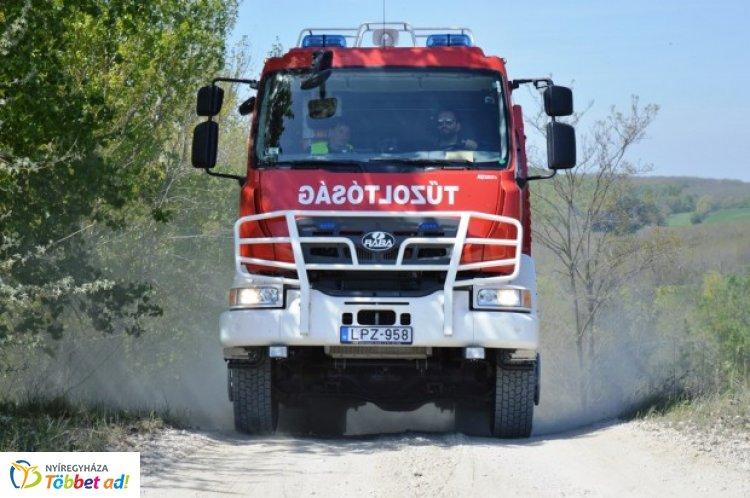 Szerdán hét alkalommal vonultak Szabolcs-Szatmár-Bereg megye tűzoltói vegetációs tűzhöz