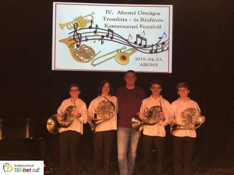 Kiemelt arany minősítésben részesült a Vikár Sándor Zeneiskola kürt kvartettje