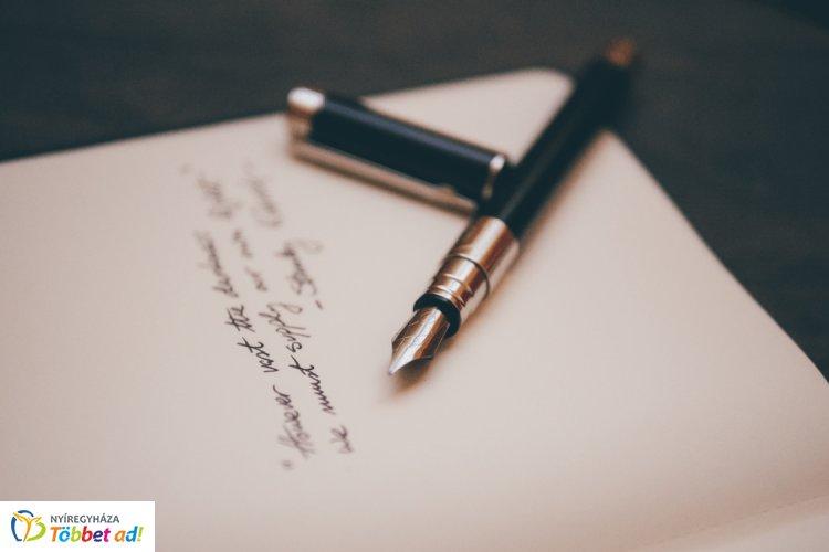 Írjunk közösen verset a Költészet Napja alkalmából, a Móricz Zsigmond könyvtárban!
