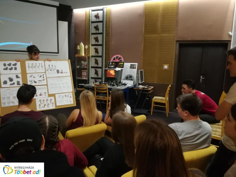 Mesés kirándulást tettek a nyíregyházi diákok a Kecskeméti Rajzfilmstúdióban