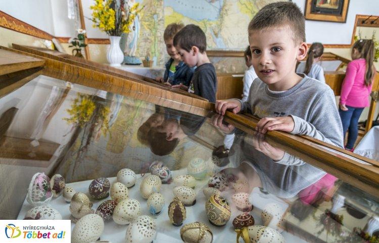 Varázs tojás, hímes tojás – Több száz kézműves alkotásból nyílt kiállítás