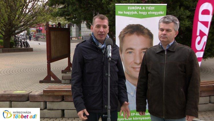 Sajtótájékoztatót tartott az MSZP-Párbeszéd európai parlamenti képviselőjelöltje