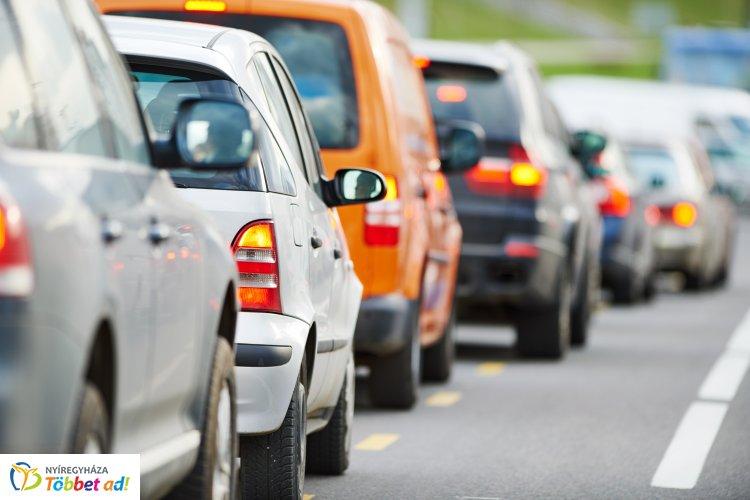 Nagyobb forgalomra, torlódásra számíthatnak több útvonalon is a közlekedők húsvétkor