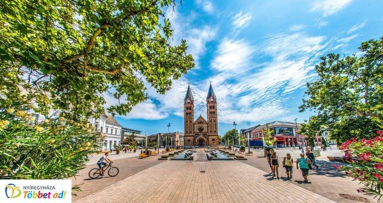 Debrecen-Nyíregyházi Egyházmegye – Nagyheti, húsvéti püspöki szentmisék, szertartások
