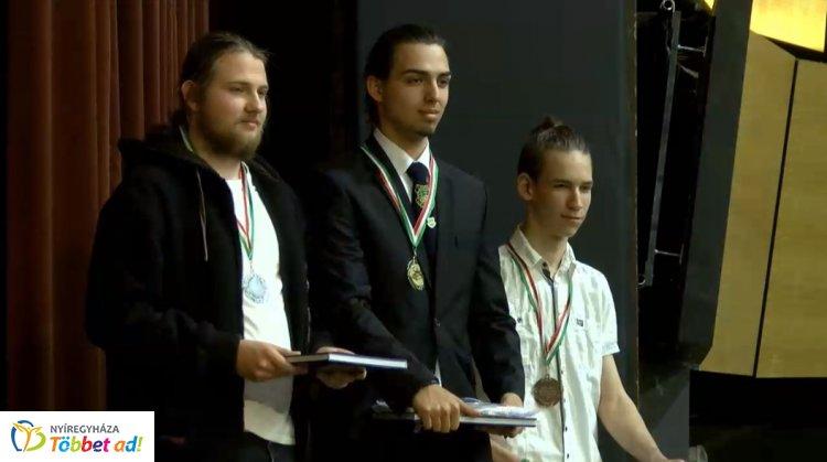 Széchenyis diáké a Zrínyi matek verseny országos II. helyezése