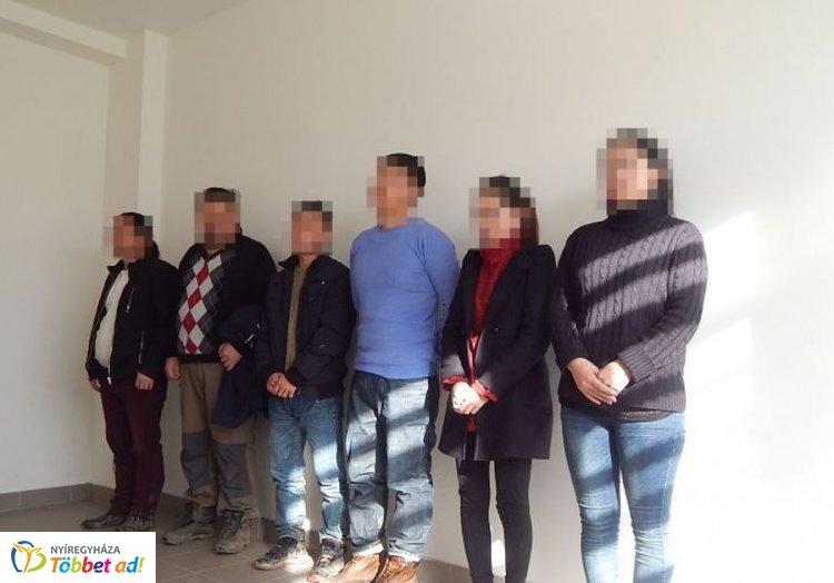Mongol illegális migránsokat és embercsempészeket fogtak el