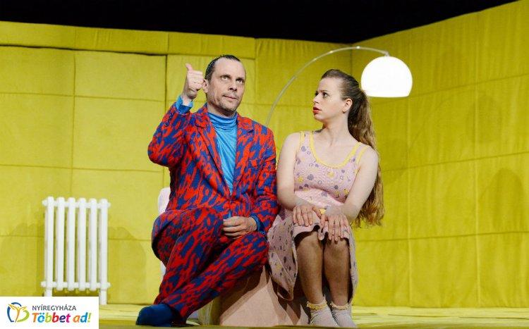 Friss humorú vígjátékkal lép fel Szatmárnémetiben a nyíregyházi színház