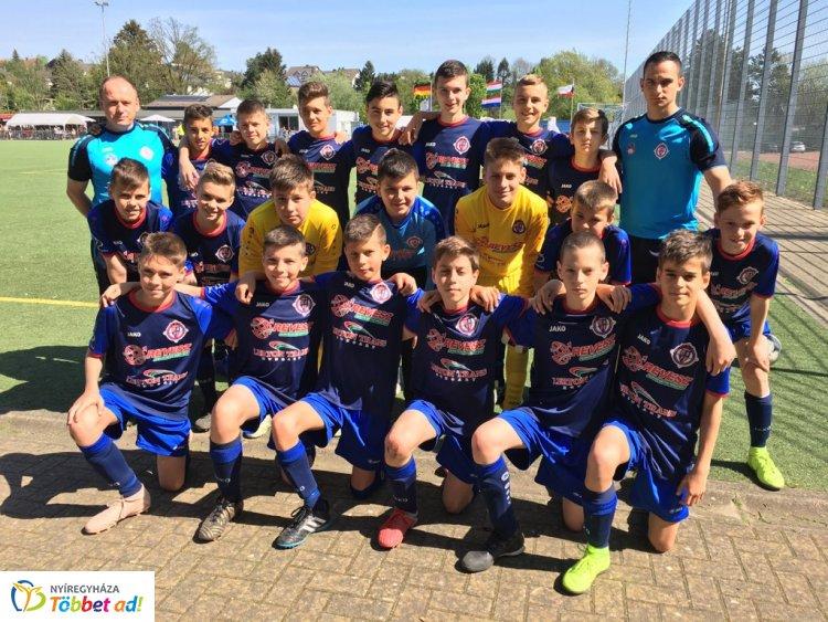 Döntőben a nyíregyházi fiatal labdarúgók a németországi tornán!