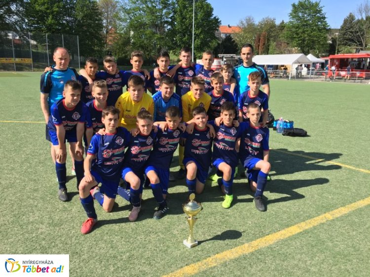 Büntetők döntöttek - veretlenül lett második a Szpari U13-as csapata Németországban