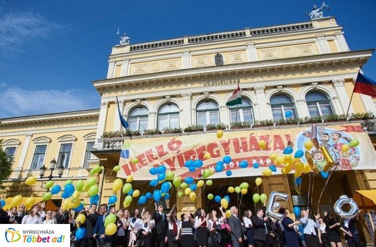 Központi Ballagás – Nyíregyháza 20 középiskolájának 81 diákja vett részt az ünnepségen