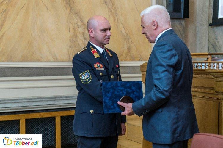 Toldi András és Sziklai László vehetett át díjat a Városi Közgyűlésen