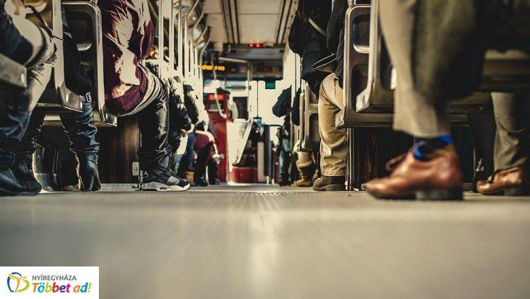 Adjuk át a helyet a buszon? - Professzorok is véleményt mondtak