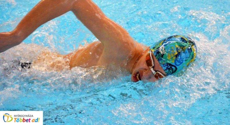 29 rajt, 24 érem - jól szerepeltek a nyíregyházi úszók Hajdúszoboszlón az Árpád Kupán