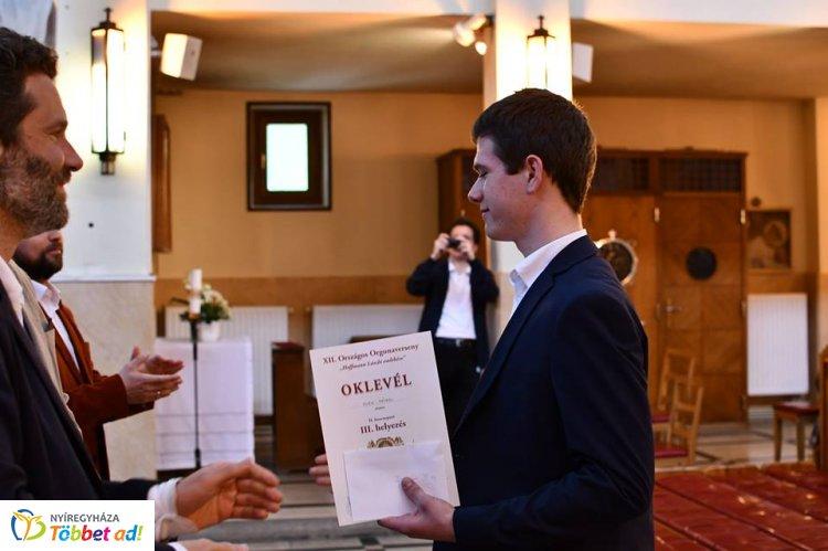 Vikáros diák hozta el a XII. Országos Orgonaverseny harmadik helyezését – Gratulálunk!