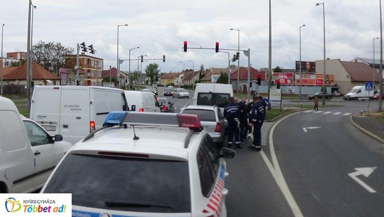 Baleset történt a Debreceni út bevezető részén, senki nem sérült meg