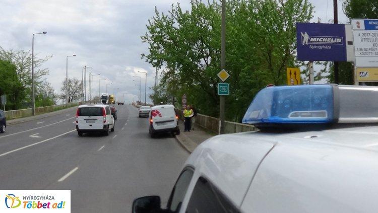 Baleset történt a Tiszavasvári és a Derkovits utca csomópontjában