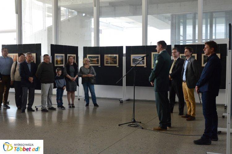 Varázslatos Szatmár-Bereg címmel nyílt fotókiállítása Habarics Bélának a művelődési házban