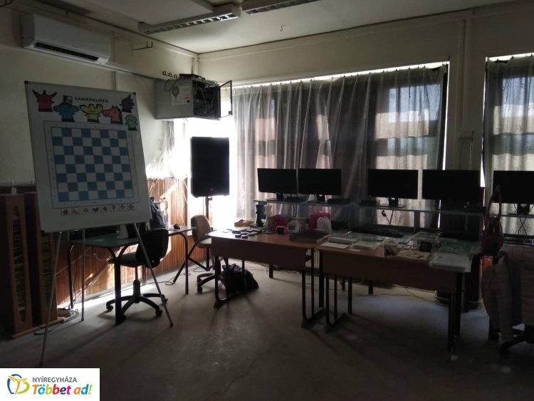 Sakkpalota képzés először Nyíregyházán, a Kazinczyban -Referencia intézmény lett az iskola