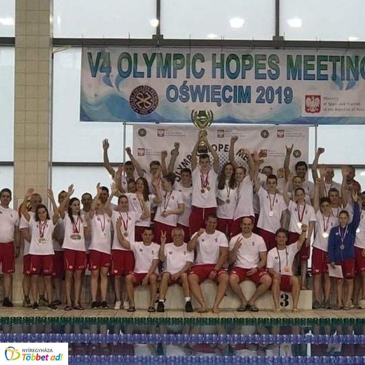 Válogatott úszóverseny - Cserfalvi Olaf négy érmet is szerzett