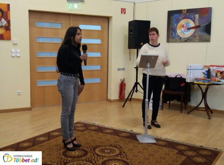 A Nyíregyházi Ridens Szakgimnázium diákjai mutatkoztak be a könyvtárban