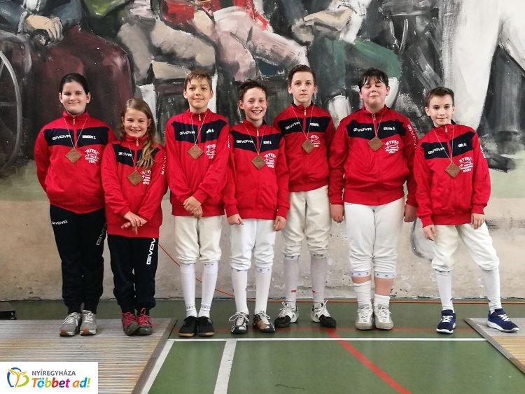 Debrecenben a kardvívók - jól szerepeltek a nyíregyházi fiatalok a 4 évszak kupán
