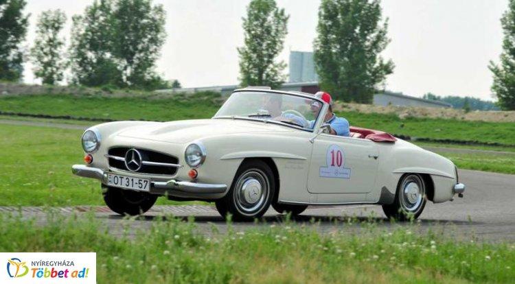 """Úgy """"hullanak"""" majd az oldtimerek, mint a csillagok - 65 éves a legidősebb autó"""