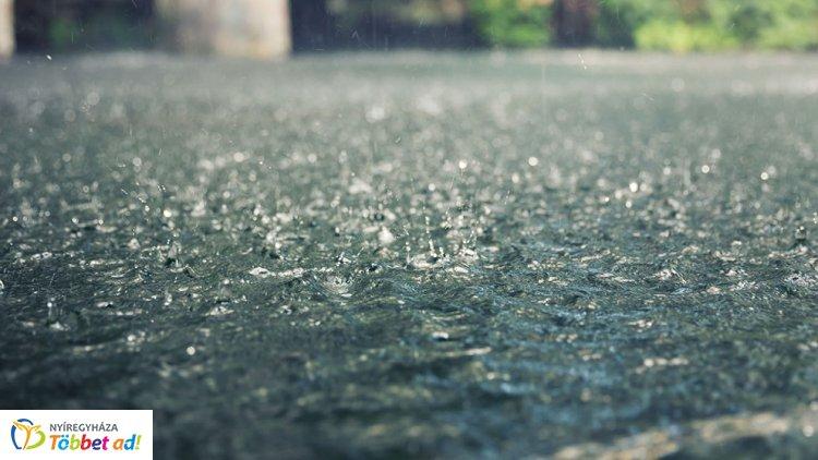 Széllökésekre és felhőszakadásra is figyelmeztet a meteorológiai szolgálat