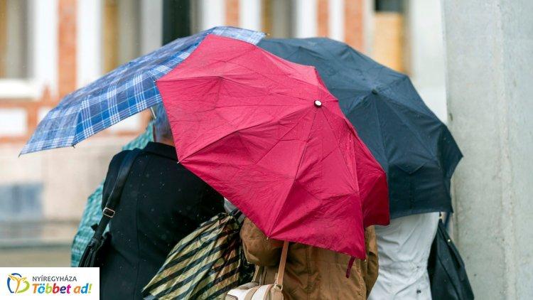 Újabb széllökések kísérik az esős napot – Ilyen időjárás várható kedden