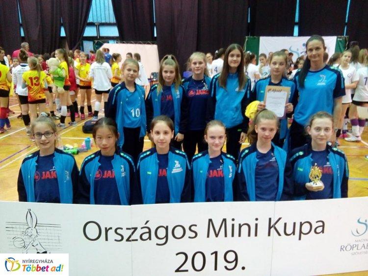 Mini Kupán a röplabdások - negyedik lett a Sportcentrum együttese