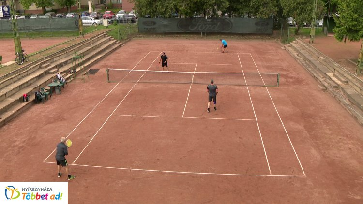 Rangos teniszversenyek Nyíregyházán -  városi cégek a MARSO Barátság Kupán
