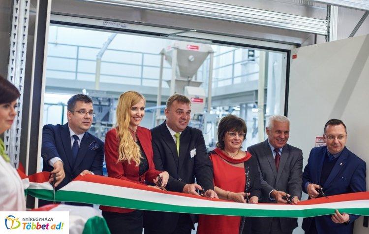 Az országban egyedülálló üzemet adtak át Nyíregyházán – Fejlődő gazdaság és életminőség