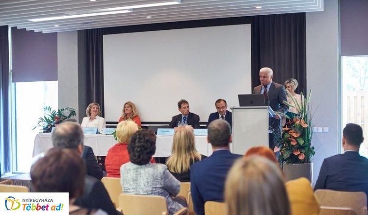 Ápolók kongresszusa – A nemzeti ápolásügy stratégiai kérdései kerültek a középpontba