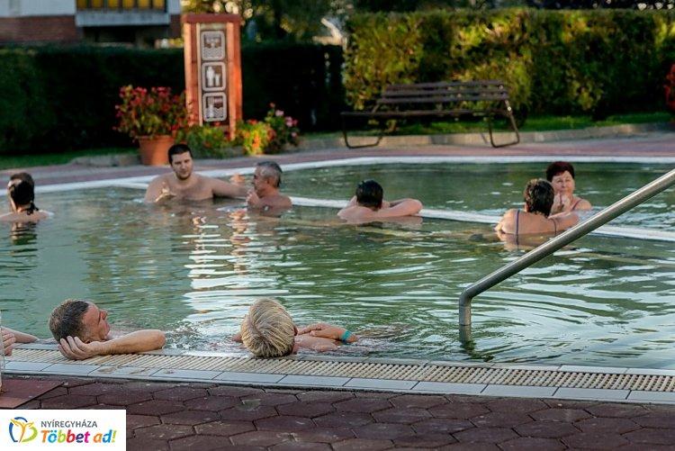 Fürdés és sportolás az Idősügyi Tanács fókuszában - Fürdőzési kedvezmények időseknek