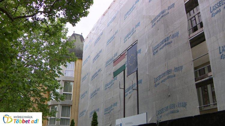 Újabb fejlesztési munkák zajlanak Nyíregyházán – 10 óvodai épület is megújul