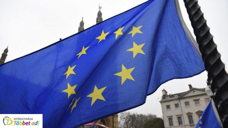EP választás – Reggel 6 és este 19 óra között tartanak nyitva a szavazóhelyiségek