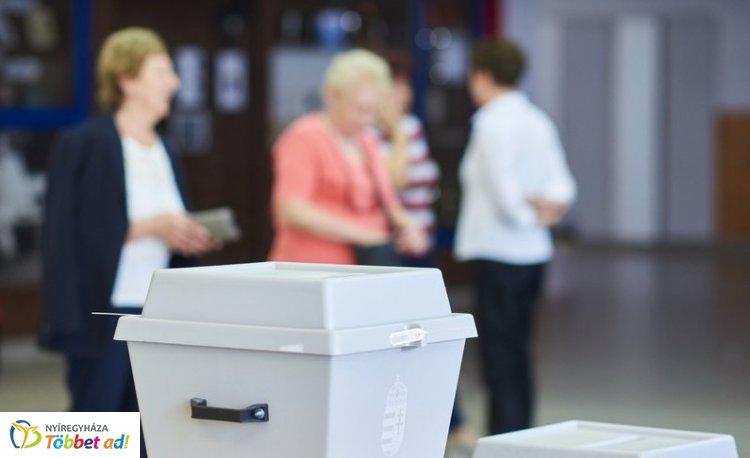 EP-választás – Bár bezártak a szavazókörök, az eredményre 23 óráig várni kell