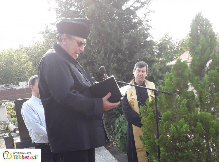 Hősök Napja Oroson is – Megemlékezést tartott az Orosért Közéleti Egyesület