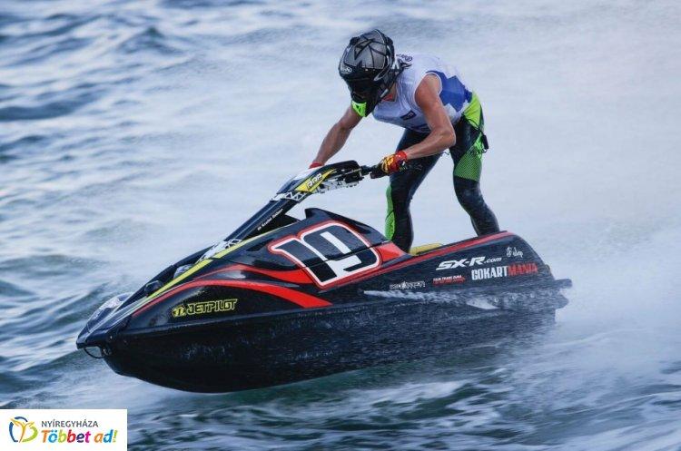 Jet-ski Európa-bajnokság Nyíregyháza-Leveleken - Nézd meg a videót!