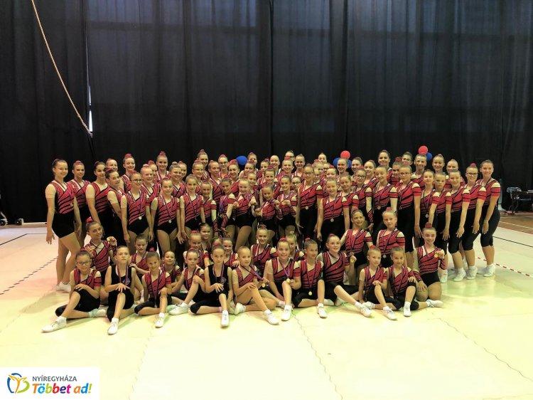 Budapesti meghívásos aerobik verseny - 25 érmet szerzett a Spartacus Torna Club !