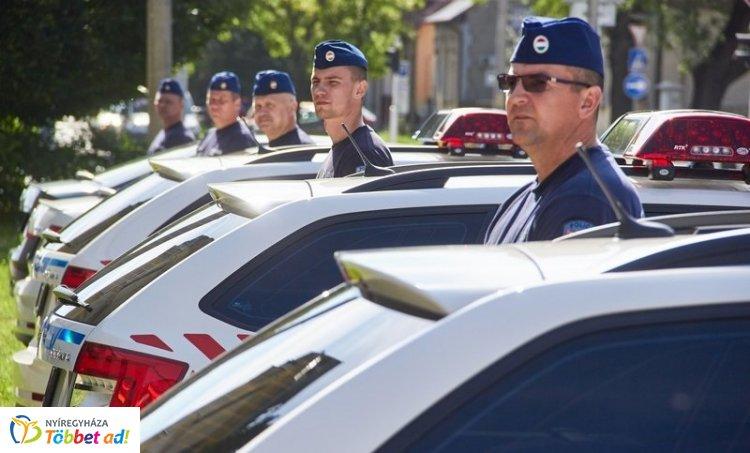 Új szolgálati gépkocsikat, Audikat és Škodákat kapott a Megyei Rendőr-főkapitányság!