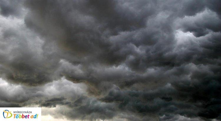 Zivatarok, felhőszakadás és szélrohamok is kialakulhatnak szerdán
