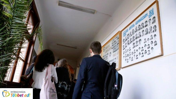 Ma kezdődnek a szóbeli érettségi vizsgák – Az emelt szintű vizsgákkal startolnak a diákok