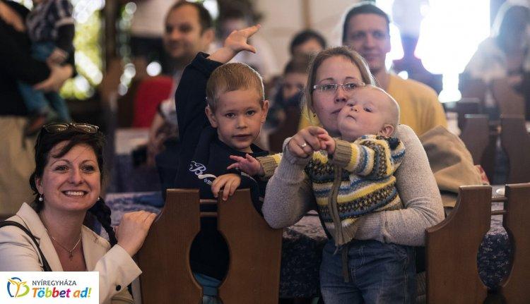 Jövőre tovább csökkennek a gyermekes családok és a vállalkozások adóterhei