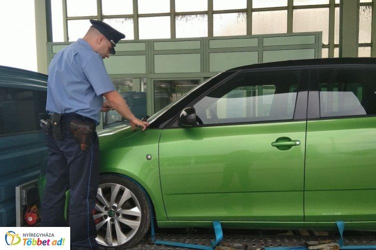 Körözött gépkocsi a csengersimai határátkelőhelyen – A járművet a svájci hatóság körözte